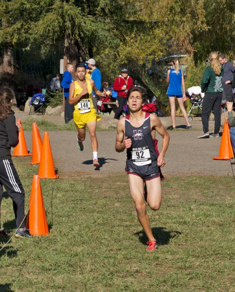 9th Dante Godinez, Healdsburg in 16:25, 10th Eduardo Calderon, Piner in 16:26 by Thomas Benjamin